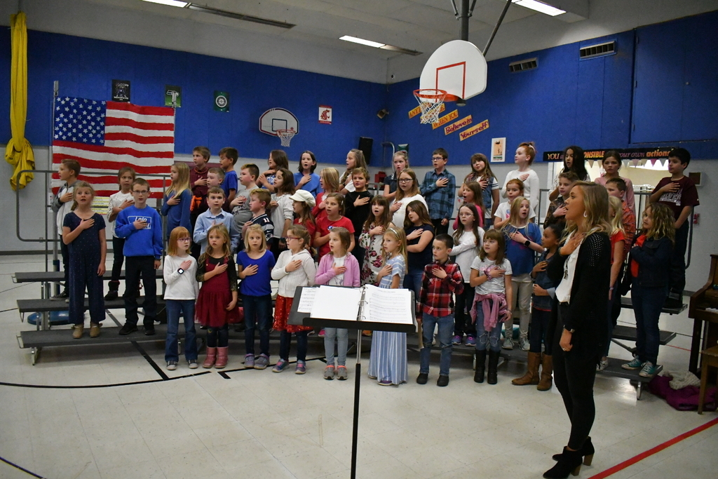 Lolo's extracurricular choir sings the Star Spangled Banner